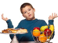 Что означает запах ацетона изо рта у ребенка?