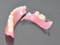 Возможен ли ремонт зубных протезов в домашних условиях?