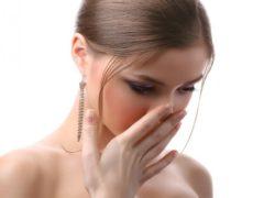 Почему изо рта может пахнуть гнилью?