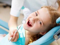 Изучение схемы выпадения молочных зубов у детей
