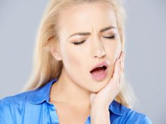 Стоит ли беспокоиться если сводит челюсть?