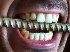 Почему ребенок скрипит и скрежещет зубами во сне: причины и лечение бруксизма по Комаровскому